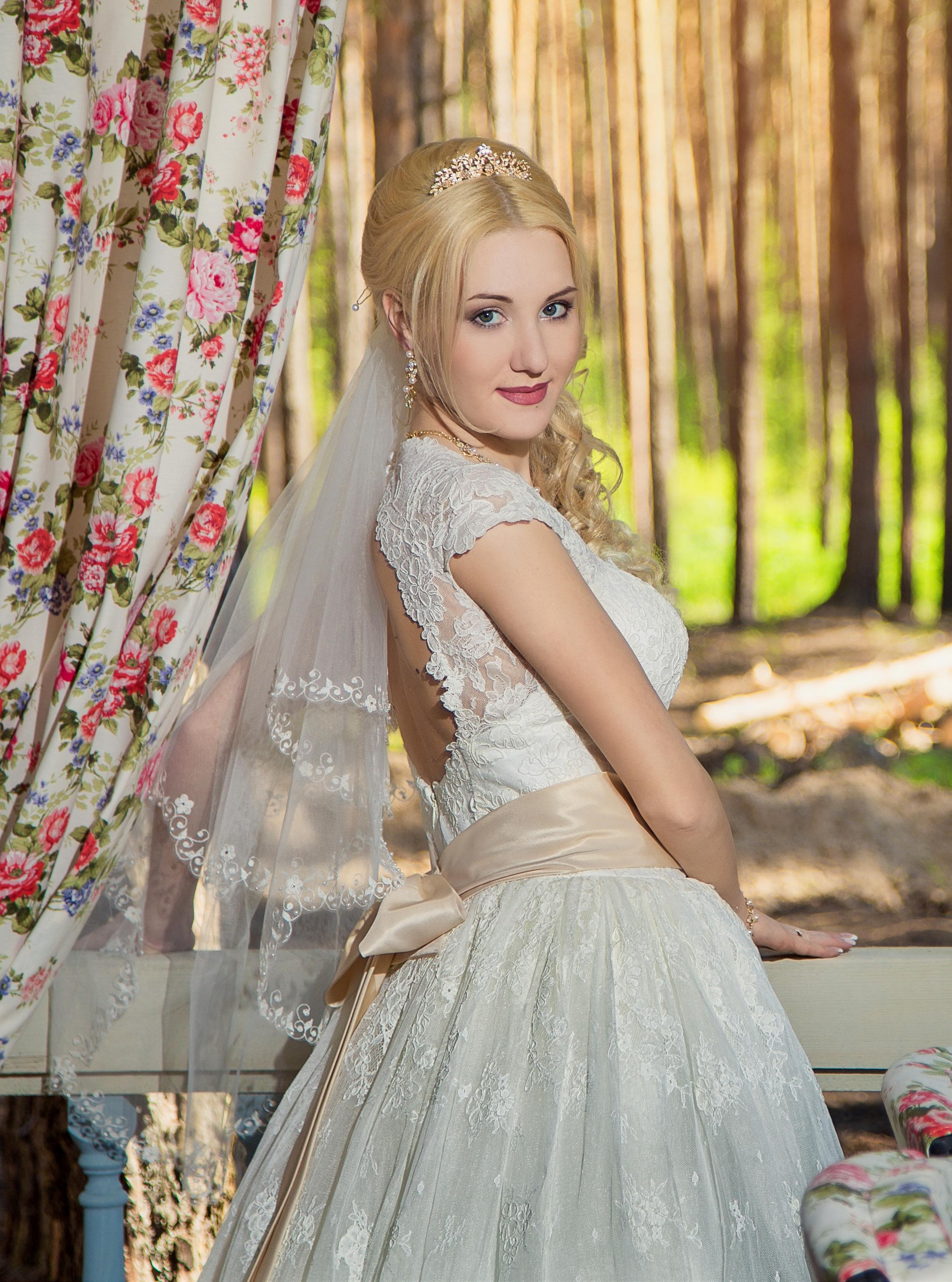 f252a4800eda4ee Коллекции одежды – Кружевное свадебное платье купить