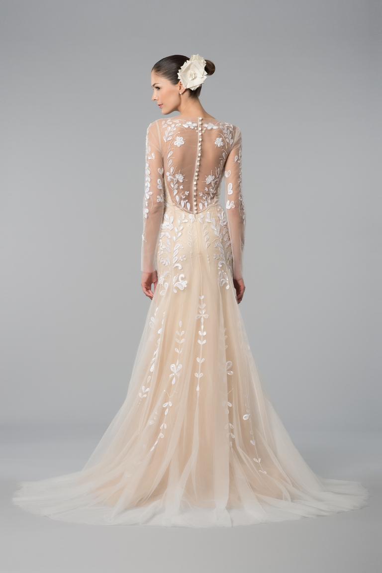 Свадебное платье с цветами на спине